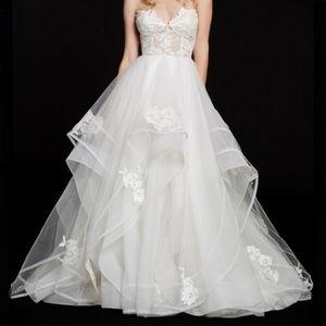 Hayley Paige Chantelle Ivory Wedding Dress